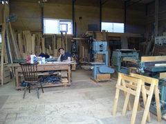 ラクジュにある家具の製作工房です。