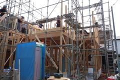 横浜市SY邸は、上棟、木工事中です