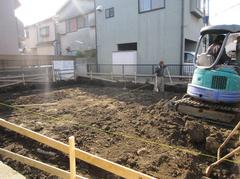 横浜市YK邸は、地業工事に入りました。